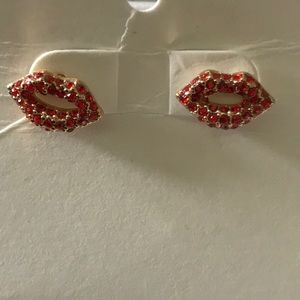 Lips 👄 Earrings